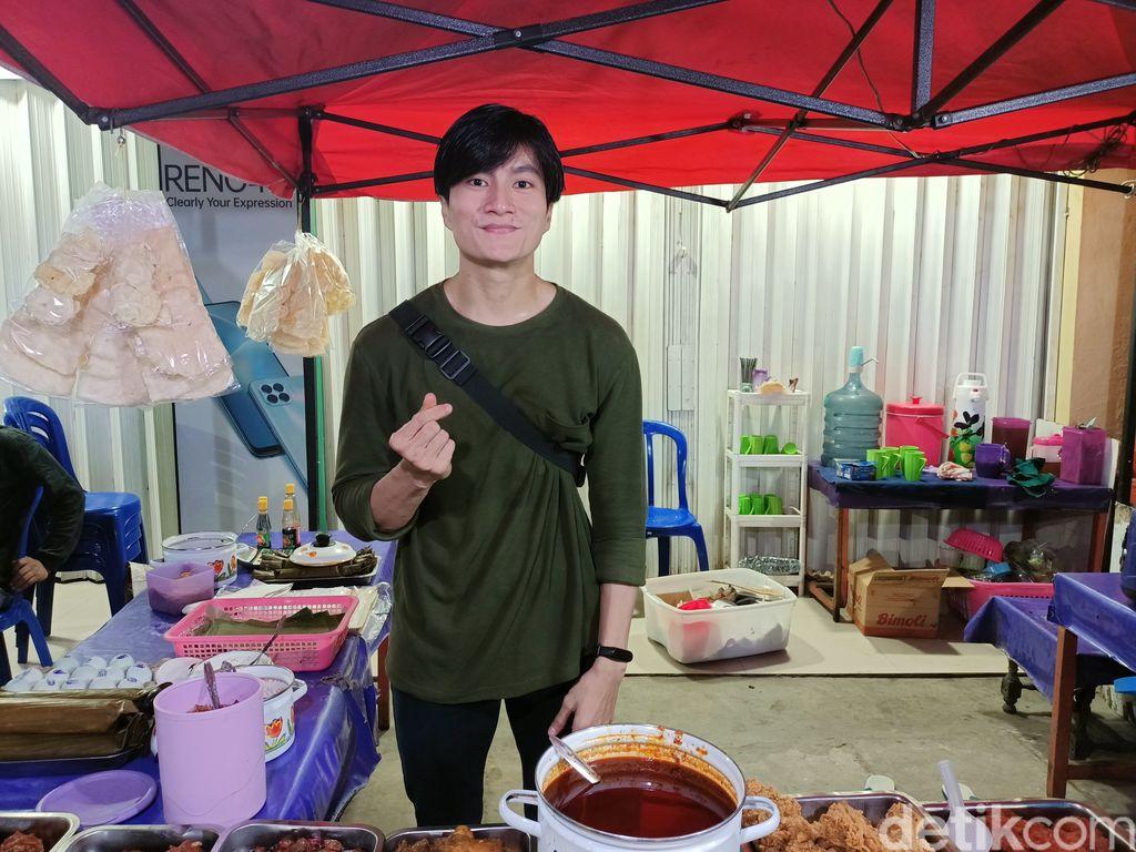penjual nasi kuning mirip lee meen ho